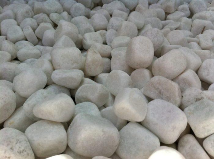 Snow white pebbles (tumbled marble)